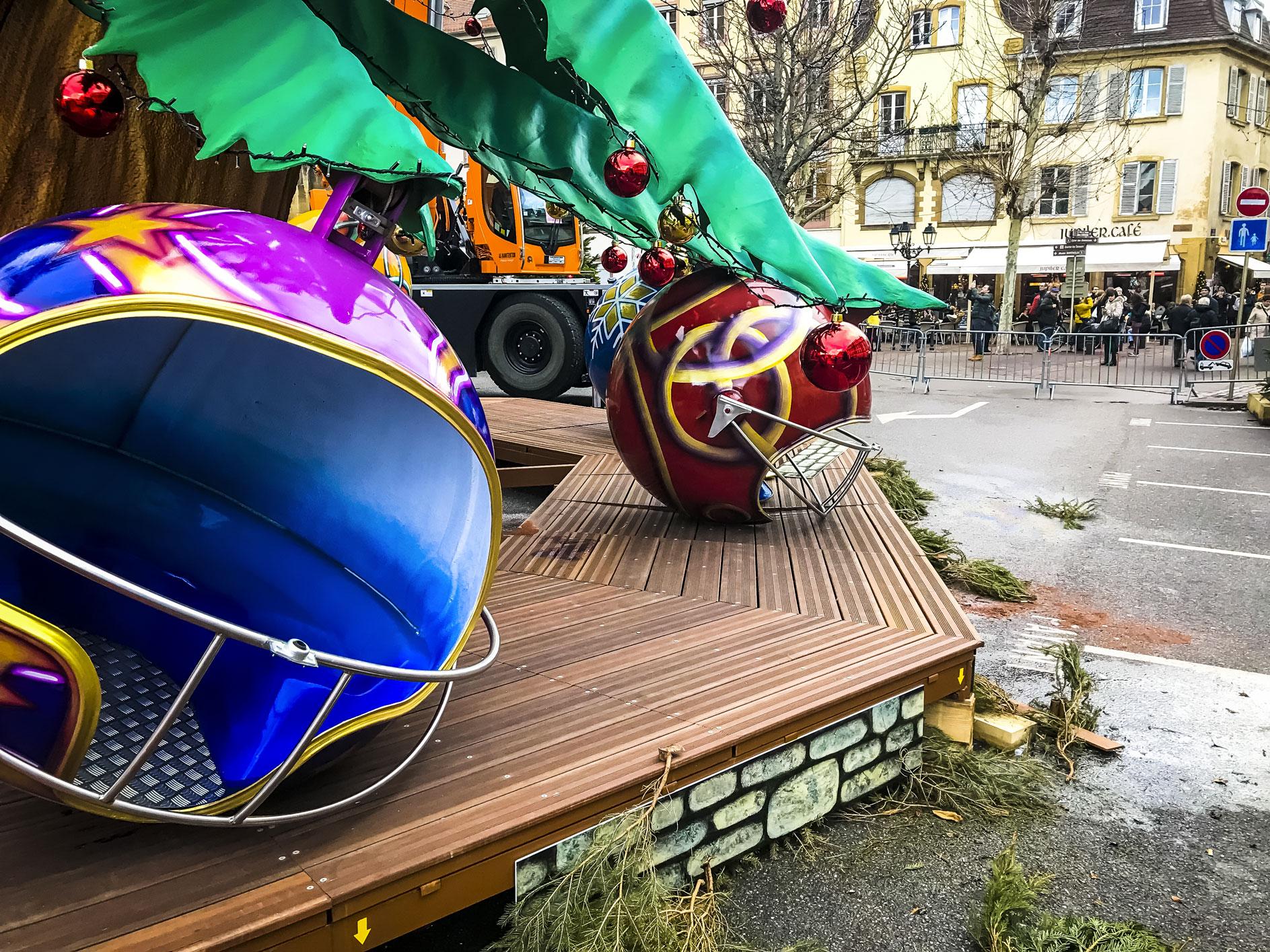 France festivités manège de forain sapin de noël